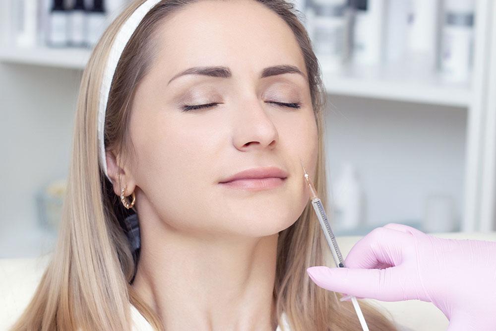 Procedura di ringiovanimento del viso